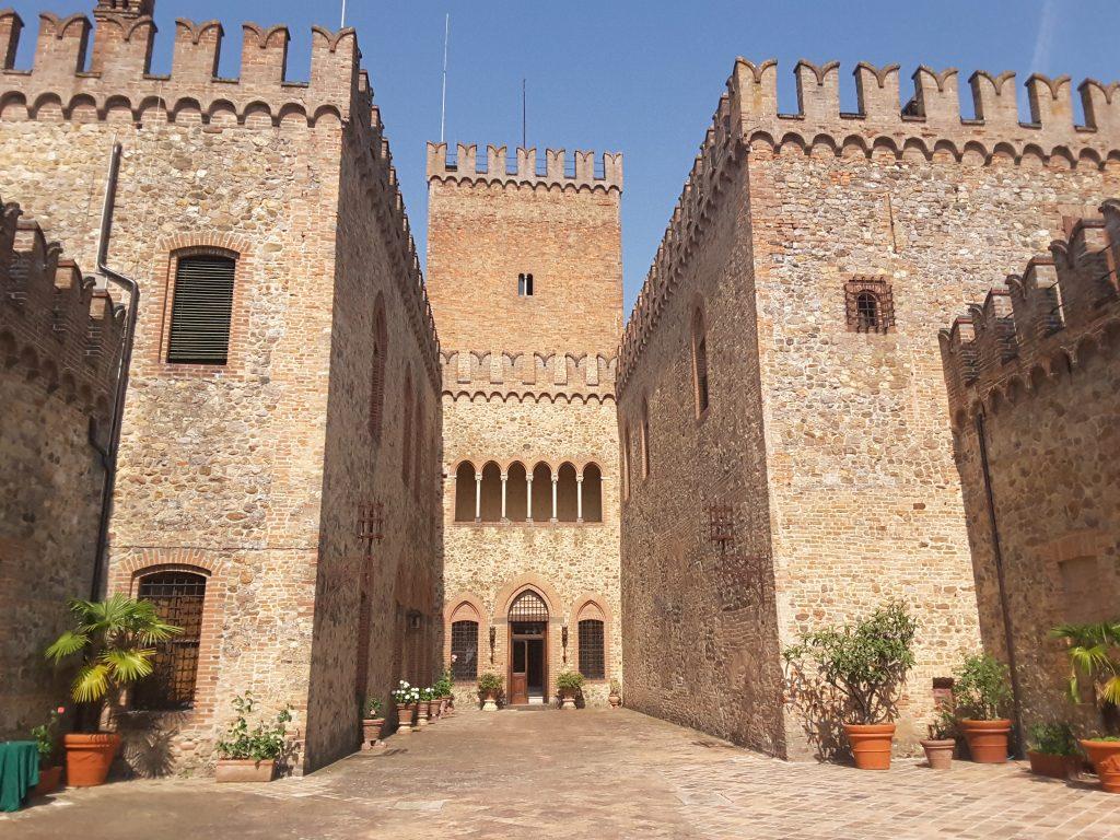 Entrata castello di Tabiano