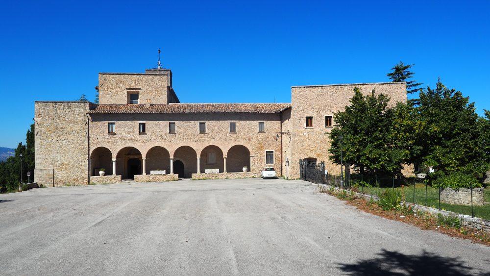 Abruzzo borghi da visitare in camper Santuario Santa Maria dei Lumi Civitella del Tronto
