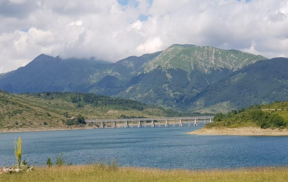 Abruzzo in camper i nuovi itinerari Lago di Campotosto