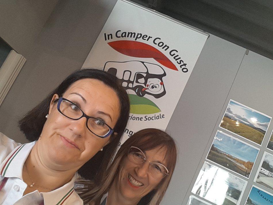 Angela e Monica Salone del Camper 2021