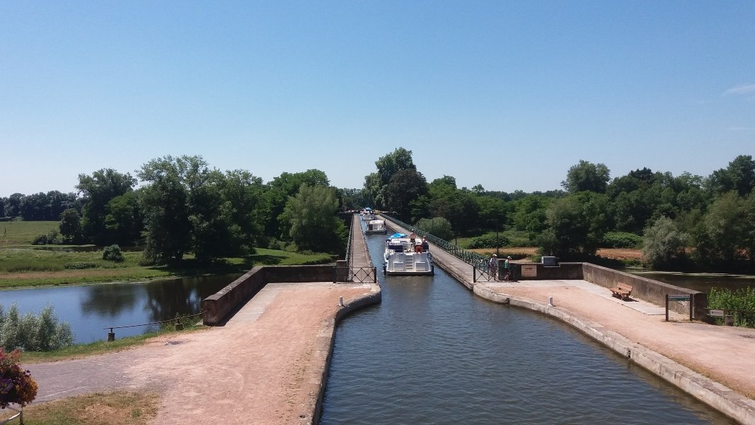 Houseboat sul Canale de Berry