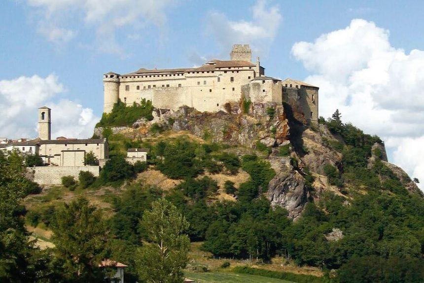 Castello di Bardi Valli del Taro e Ceno in camper