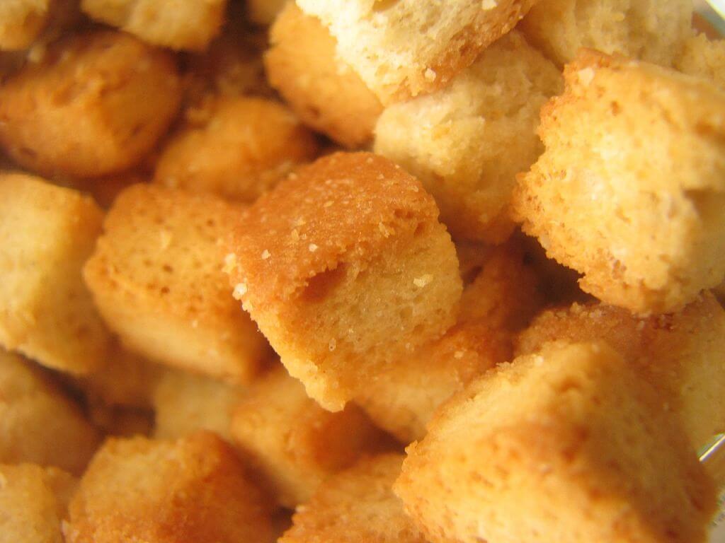 Crostini di Pane 5 ricette povere facili e veloci