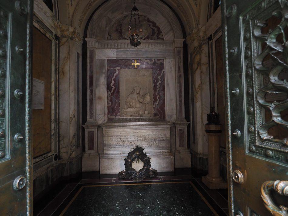Ravenna in camper Tomba di Dante