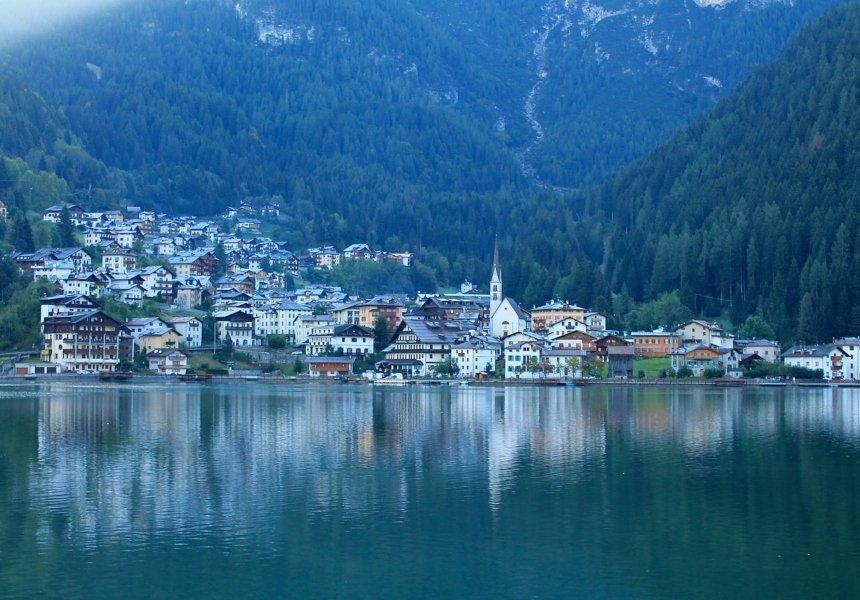 Alleghe 7 laghi itinerario nelle Dolomiti in camper