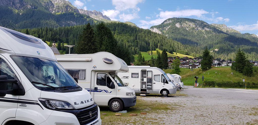 Sosta camper in montagna