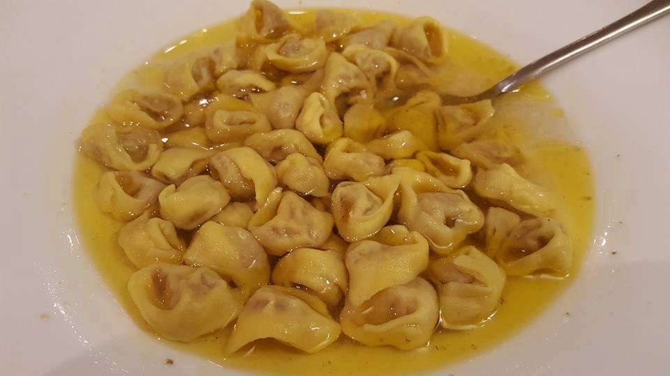 Cappelletti in brodo table memories taste