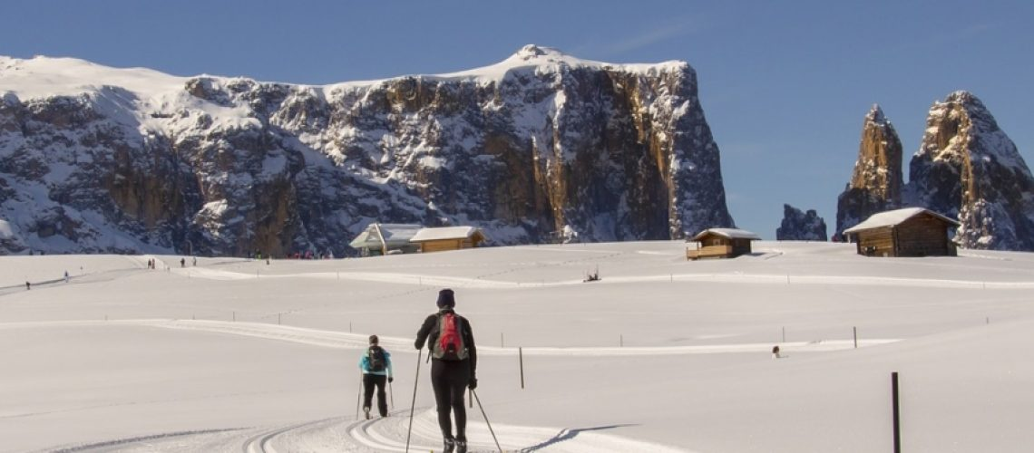 cross-country-skiing-